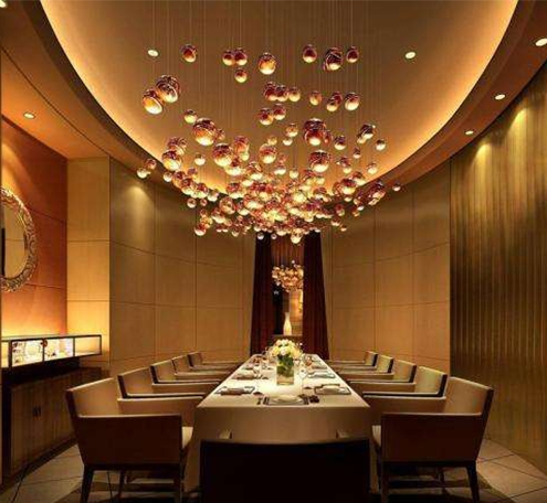 餐饮照明中,有什么方式可以照亮墙面呢?