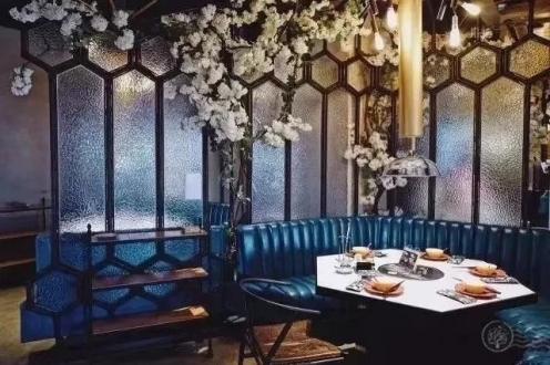 餐厅的照明