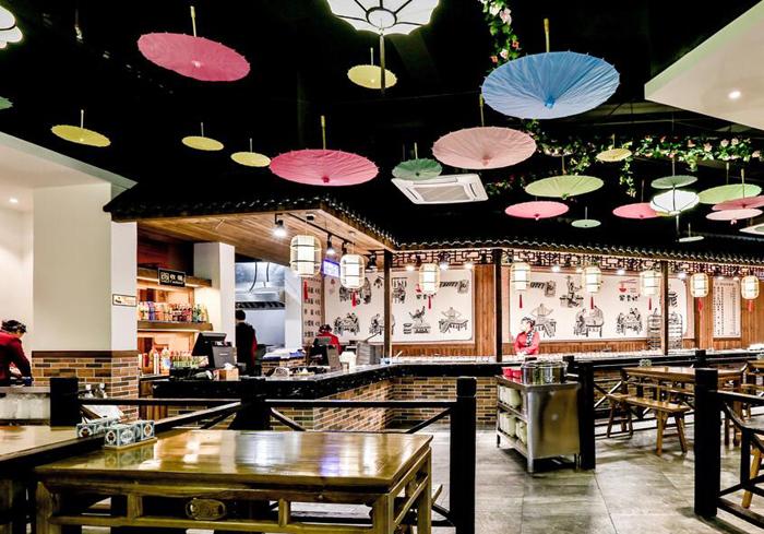 既能欣赏民族风情又能品尝当地特色美食的餐饮店您见过吗?