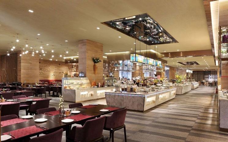 选用不同的餐饮照明灯具来体现餐厅的层次感