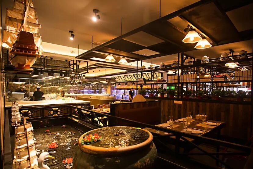 想要餐厅客似云来,首先灯光要用好!云联惠专业餐饮照明
