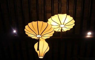 选择餐厅灯具要注意哪些事项