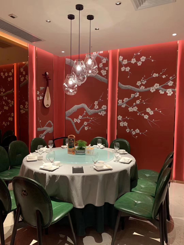 品质灯光设计,给顾客一个舒适的就餐氛围