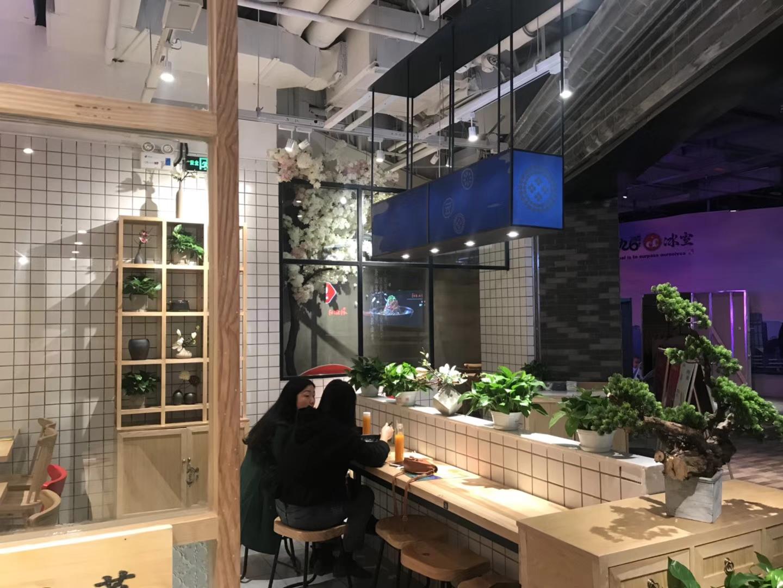精心設計的餐廳燈光才能深得顧客心